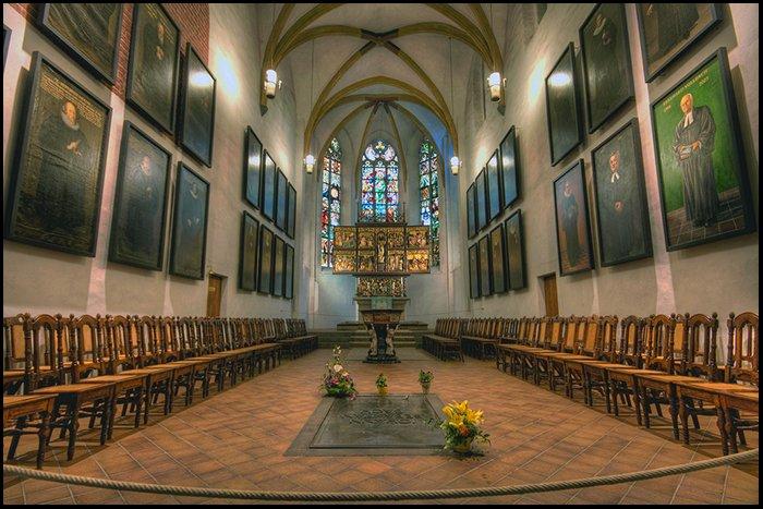 Bachs grav 2.jpg
