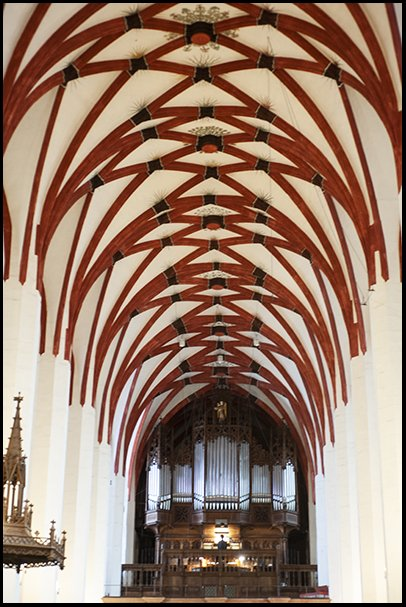 Thomaskirche orgel 2.jpg