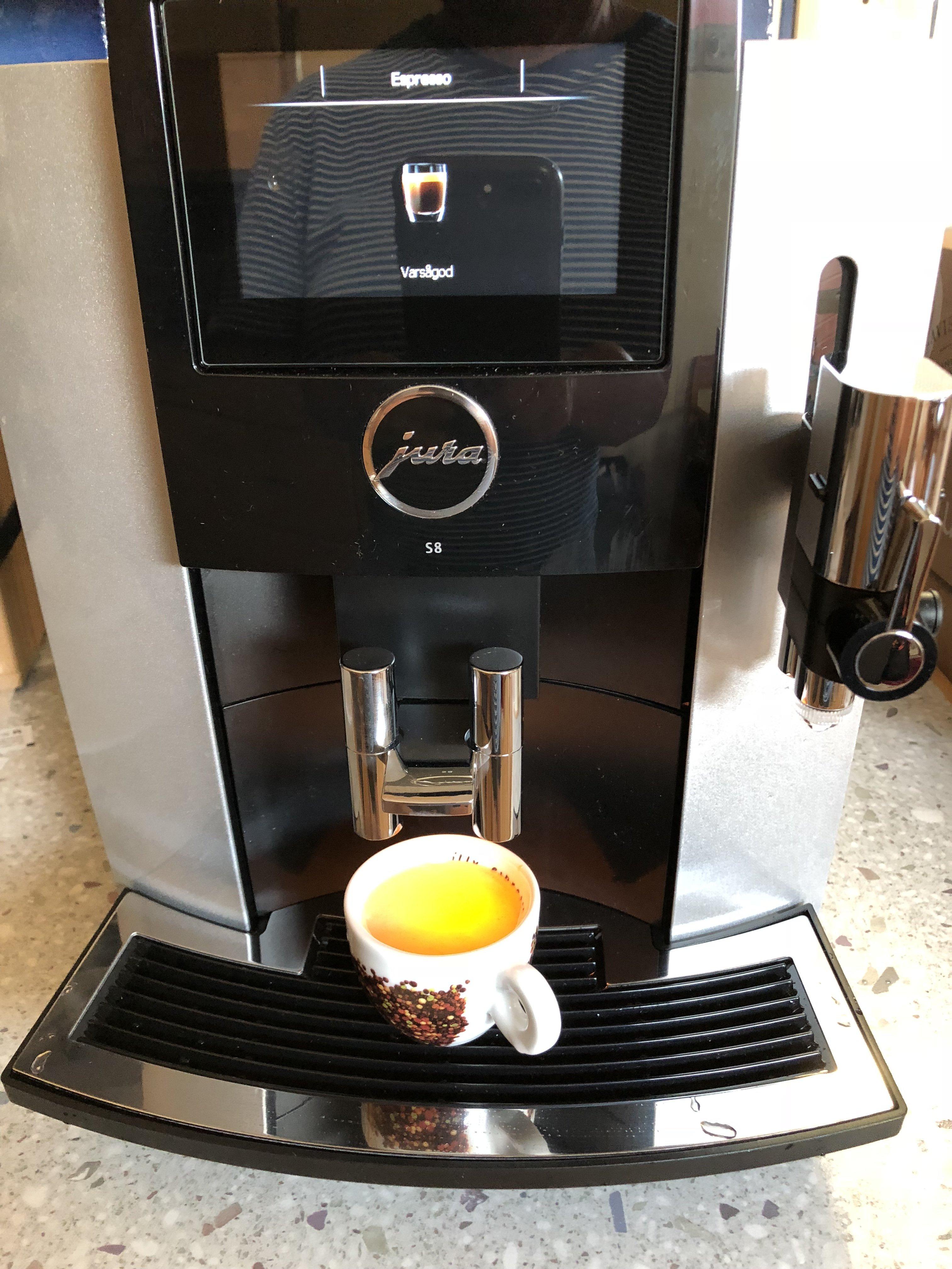 Espressomaskin för er som kan eller vill ha en………. Page