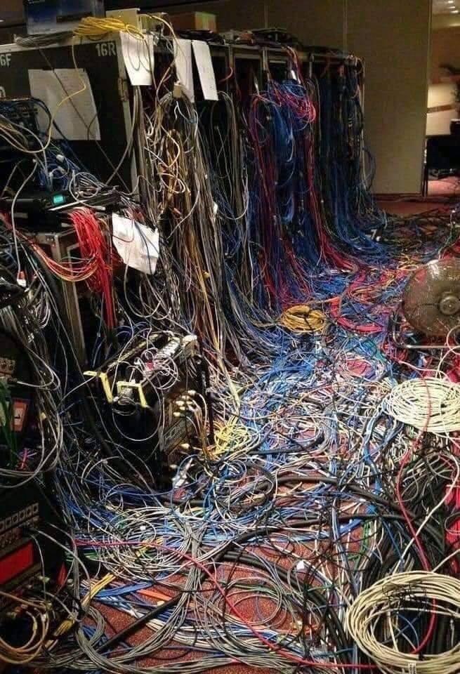 Trasslig kabel.jpg