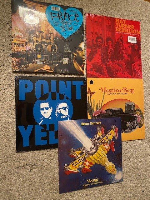 Vinyl okt.jpg
