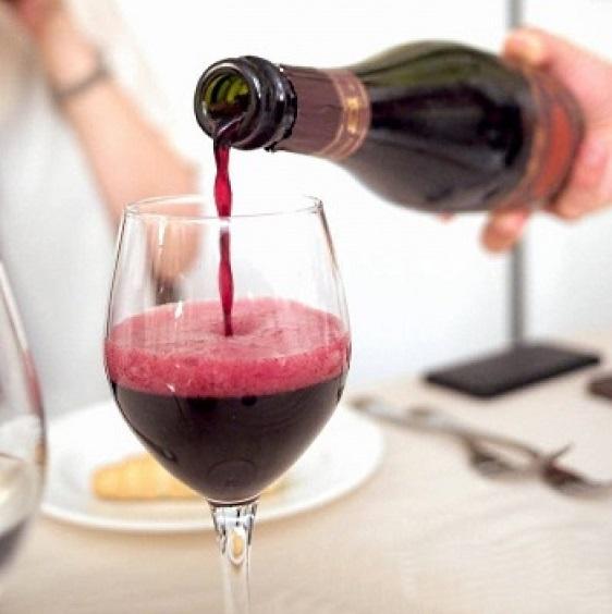 lambrusco-vin-flaska-1021x1024.jpg