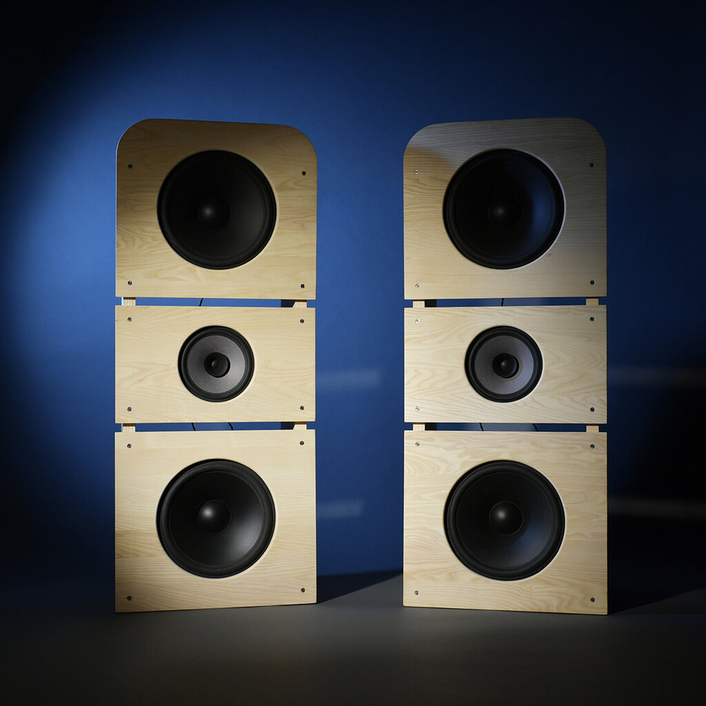 Speaker10696a.thumb.jpg.0e1b043c8e8ab98864fb27d17c87667e.jpg