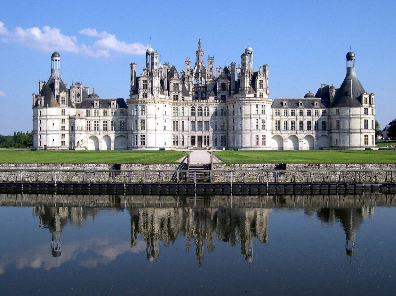 France_Loir-et-Cher_Chambord_Chateau_03.jpg